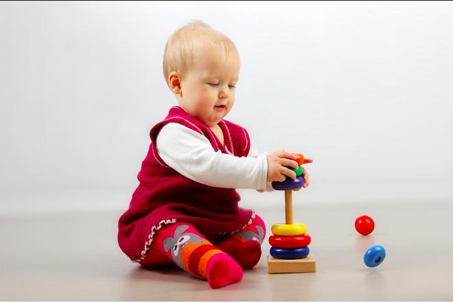 5 Tips Ransang Minda Bayi Dengan Alat Permainan Yang Betul